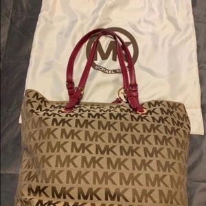 Michael kors monogram MK fuchsia tote bag